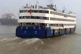 Cruise Ship Sinking 2015 by Chinese Cruise Ship Righted Chinese Cruise Ship The Eastern