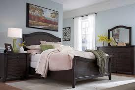 Brasilia Broyhill Premier Dresser by Broyhill Farnsworth Sleigh Bed King Attic Rustic Oak Bedroom