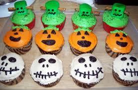 Halloween Classroom Door Decorations by Decorating Cupcakes For Halloween Halloween Lawn Decorations