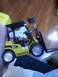 100 Toy Forklift Truck Custom Made 125 Scale Diecast Model Manufacturer