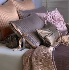 Modern Bedding Sets And Decorative Pillows