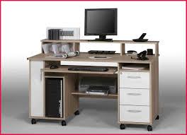 bureau pour ordinateur but meuble informatique but inspirant graphie de bureau