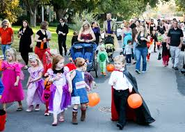 Five Points Halloween In Five by 100 Little Five Points Halloween Parade 2017 West Seattle