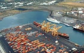 le port la reunion île de la réunion deux portiques hors service nomination d un