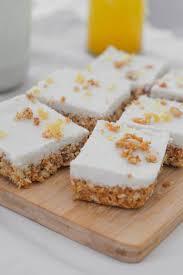 rohkost möhrenkuchen mit cashew frosting vegan