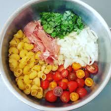 cuisiner cru 70 recettes food one pot pasta tomates cerises jambon cru oignon basilic