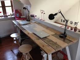 build your own multi purpos wooden pallets desk easy diy and