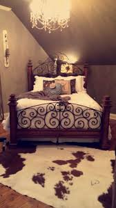 Cute Way To Set Up This Room With That Type Of Ceiling Western Bedroom DecorRustic