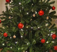 7ft Artificial Christmas Tree by Lomond Spruce 7ft 2 1m Artificial Christmas Tree Amazon Co Uk