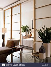 moderne wohnzimmer fenster im japanischen stil schiebetüren