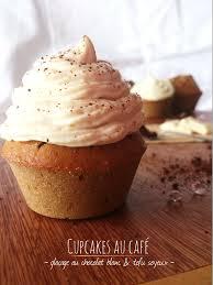 cupcakes au café glaçage au chocolat blanc tofu soyeux