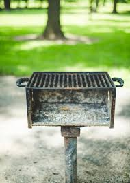 Bbq Pit Sinking Spring by How To Clean A Charcoal Grill Kitchn