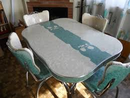 I Tend To Think That 1950s Dinette Sets Were Usually Similar The One Above Laminate Top Wrapped With Aluminum Edging Fat Upholstered Chairs