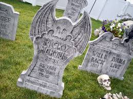 Halloween Graveyard Fence Ideas by You Craft Me Up Spooky Graveyard