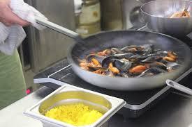 images cuisiner le chef en de cuisiner une paëlla picture of au bon fish
