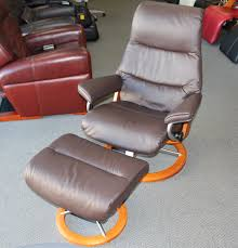 Vintage Black Leather Ekornes Stressless Lounge Chairs Ottomans