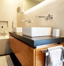 grossformatige platten und fugenlose wände im bad i