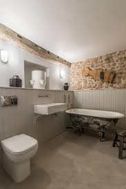Rustic Bathroom Ideas For A Warm And Relaxing Private Space | Rustic ... White Simple Rustic Bathroom Wood Gorgeous Wall Towel Cabinets Diy Country Rustic Bathroom Ideas Design Wonderful Barnwood 35 Best Vanity Ideas And Designs For 2019 Small Ikea 36 Inch Renovation Cost Tile Awesome Smart Home Wallpaper Amazing Small Bathrooms With French Luxury Images 31 Decor Bathrooms With Clawfoot Tubs Pictures