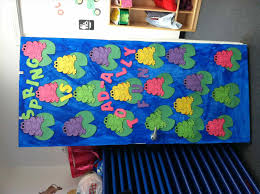 Day Classroom Our Moms Are Bee Autiful Decoration Best Summer Bulletin Boards Ideas On Pinterest Beach Spring Door Decorations For Preschool
