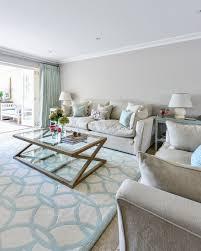 elegantes wohnzimmer in grautönen mit bild kaufen