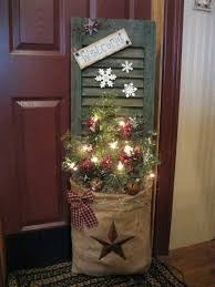 Primitive Decorating Ideas For Outside by 38 Best Outdoors Christmas Decorations Images On Pinterest