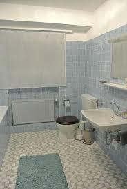 ruhiges messe apartment mit bad in 70er jahre villa