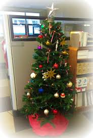 Christmas Tree Decorations Ideas 2014 by Christmas Tree Ornaments Out Of Moving Supplies