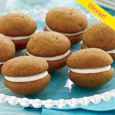 Pumpkin Whoopie Pies With Maple Spice Filling by Pumpkin Whoopie Pies Pumpkin Dessert Recipes