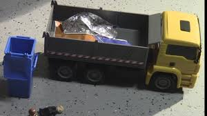 Garbage Truck Video - UPS Christmas Delivery (Toys ...