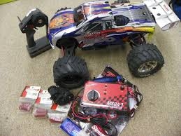 100 Revo Rc Truck Traxxas Gas Powered RC W Accessories Bundle FOR PARTS