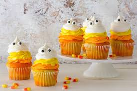 Cakes Decorated With Sweets by 18 Easy Halloween Cupcake Ideas Recipes U0026 Decorating Tips For