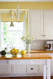 White Kitchen Curtains With Sunflowers by Best 25 Yellow Kitchen Curtains Ideas On Pinterest Days Cafe