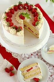 Hochzeitstorte Mit Erdbeeren Und Limetten Traumhafte Erdbeer Waldmeister Torte
