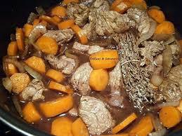 cuisiner noix de veau recette de noix de veau à la bourguignonne