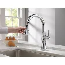 Touchless Lavatory Faucet Royal Line by Delta Faucet 9197 Dst Cassidy Polished Chrome Pullout Spray