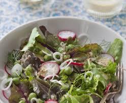cuisiner des petit pois frais salade de petits pois frais au mesclun recette de salade de
