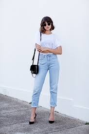 boyfriend jeans and tips on how to wear them just the design