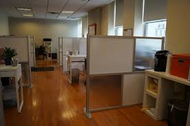 Modern Office Cubicle Layout Design Decor With Floor Mounted White And Frosted
