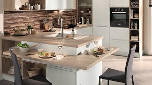cuisines blanches et bois attractive cuisine blanche en bois 1 conforama d233couvrez les