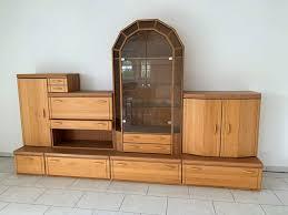 echtholz wohnzimmer schrankwand vitrine stauraum wunder
