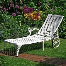 fr cuisine chaise longue lizzie blanche meuble de jardin aluminium style fer