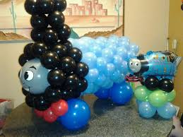 Thomas The Tank Engine Wall Decor by Thomas The Tank Engine Made Of Balloons Great Decor If Your