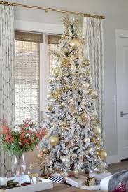 9 Ft Flocked Pre Lit Christmas Tree by 2221 Best Christmas Trees Images On Pinterest Christmas Time