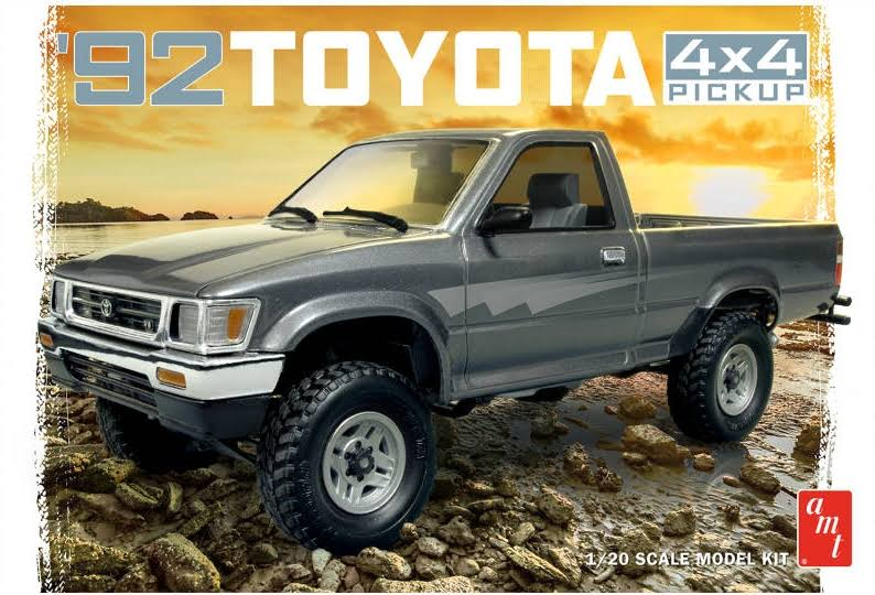AMT 1992 Toyota 4x4 Pick Up Truck Model Kit