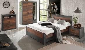 schlafzimmer komplett ward in used wood shabby design mit matera grau komplettzimmer mit bett bettschubkasten kleiderschrank kommode und