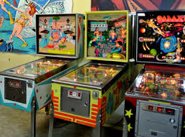 Vintage 70s Pinball Free Play Exhibit