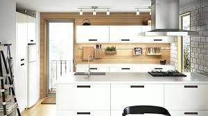 cuisine blanc et bois modele de cuisine blanche modale cuisine blanche de style