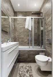 kleines bad gestaltungsidee fliesen holzoptik badewanne