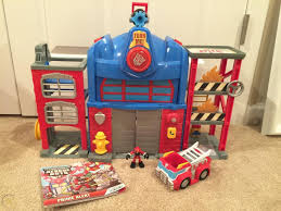 100 Rescue Bots Fire Truck Hasbro Transformers Electronic Station