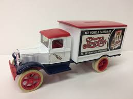 100 Bank Truck Ertl 7503 1931 Hawkeye Motor Pepsi 134 JWD